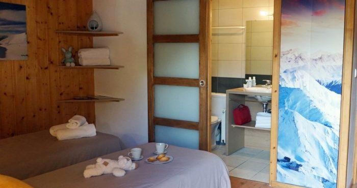 Chalets-Lacuzon Snow Valley chambre double avec salle d'eau