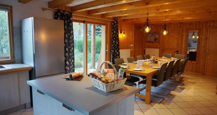 Chalets-Lacuzon Snow Valley la cuisine ouverte